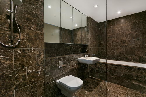 Tile And Grout Cleaning Services In Margate - Bathroom grout cleaning services